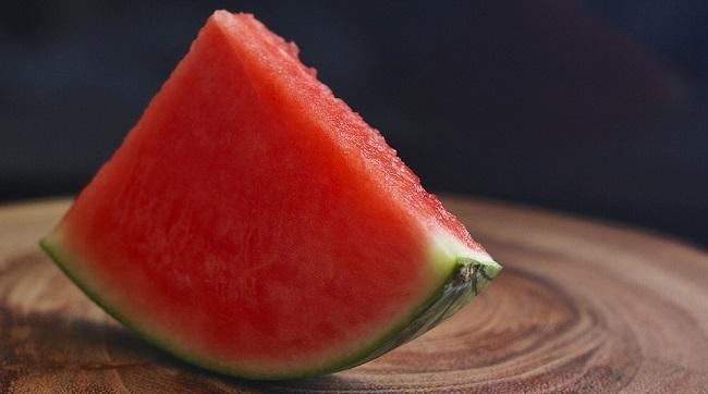 lubenica-kalorije-vitamini-i-prednosti-za-zdravlje