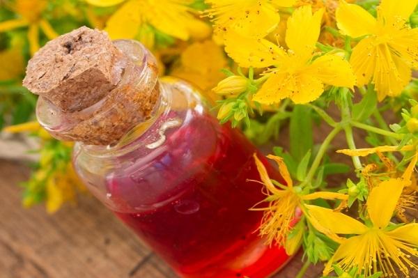 Kantarionovo ulje - upotreba za lice, kosu, kožu, gljivice i zdravlje, recept