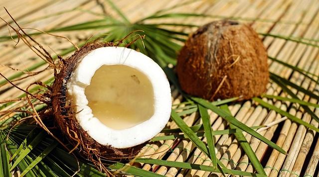 Kokosova voda - kalorije, sastav i recepti1